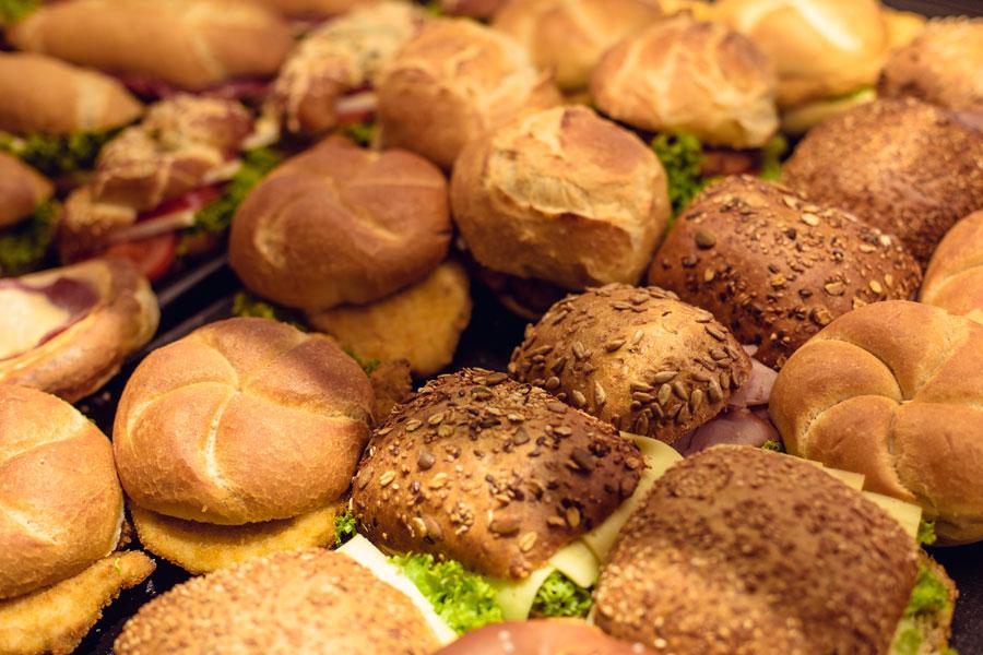 Große Brot- und Backwarenauswahl
